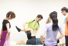 トレーニングについてだけでなく施術も学ぶことで、身体の理解・アプローチ力を深める